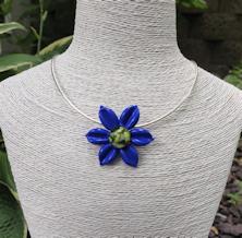 Flower Pendant - Lapiz