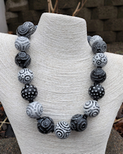 Battuto Black and White Necklace